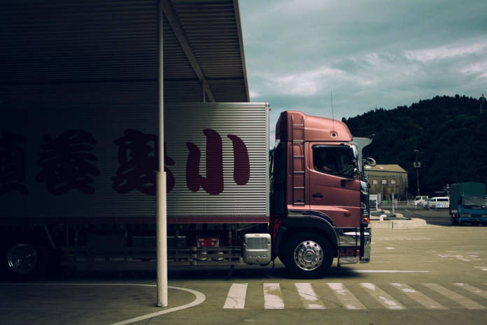 Zlecenie transportowe a spedycyjne