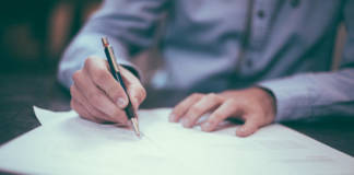 Umowa kupna-sprzedaży samochodu