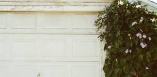 Odnawianie bramy garażowej – jak przywrócić dawny wygląd?