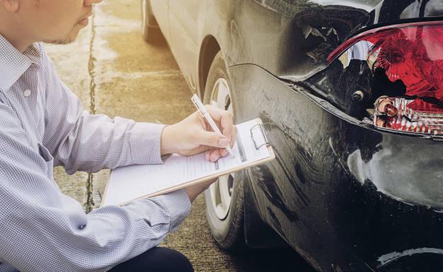 Jak rozpoznać samochód po wypadku