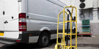 Wózki transportowe – wygodny, szybki i bezpieczny przewóz ładunków