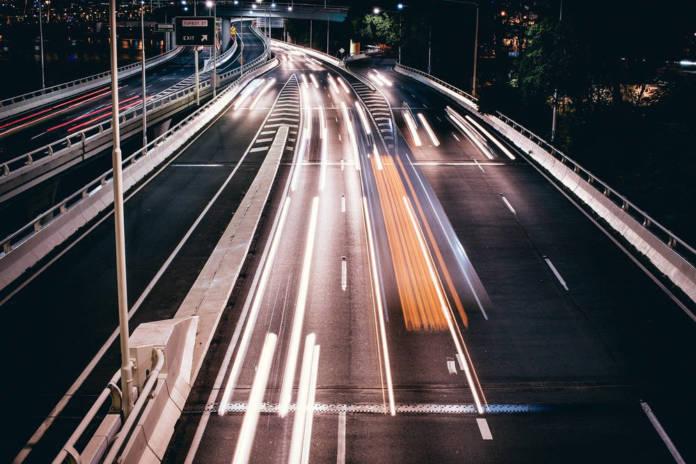 Czym są zwrotne opakowania transportowe i czy warto z nich korzystać?